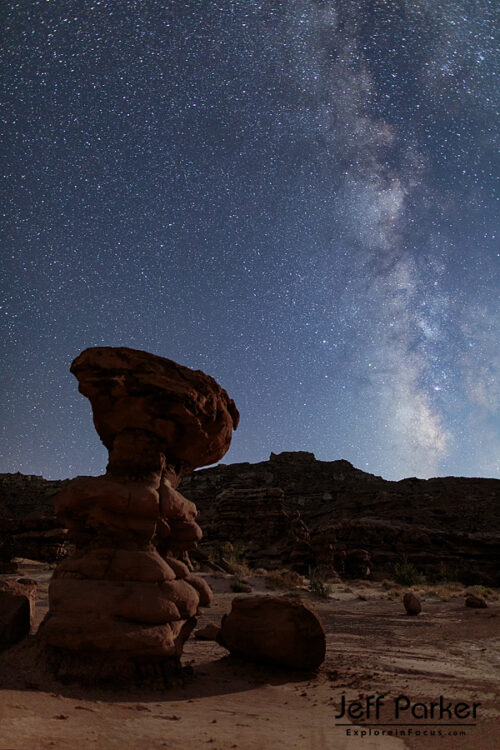 This Utah Landscapes & Night Skies Photo Tour 2021 focuses on the photogenic red-rock landscapes and super dark skies of Capital Reef National Park and surrounding areas.